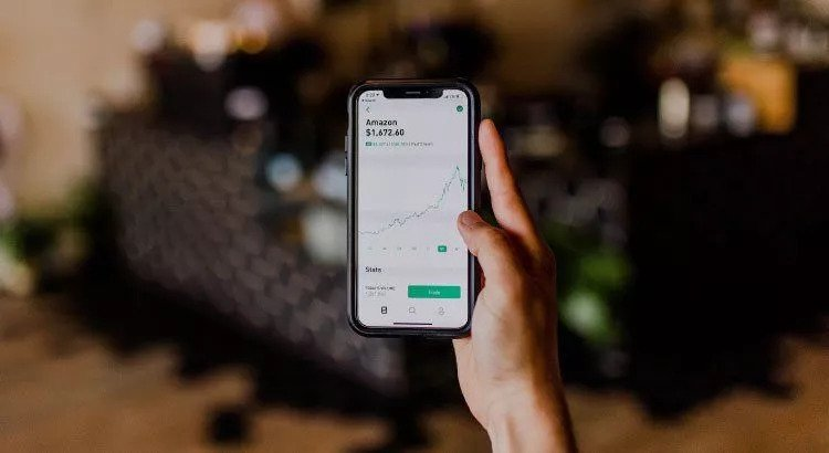 How to Start Investing on a Mobile Device
